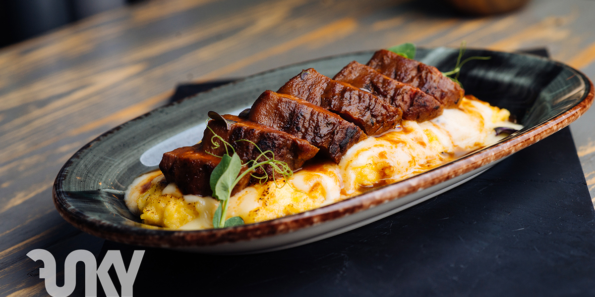 VEAL FILLET WITH CHEESY POLENTA